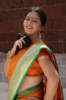 Sexy Nisha In saree