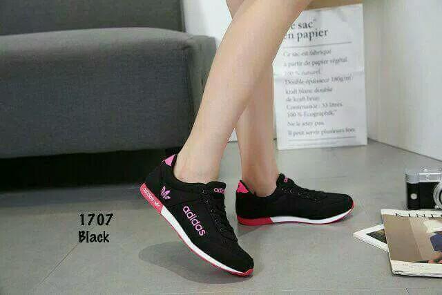 Sepatu Sneakers Wanita  PALING POPULER 4f283d72be