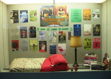 photo of the adult summer reading display window