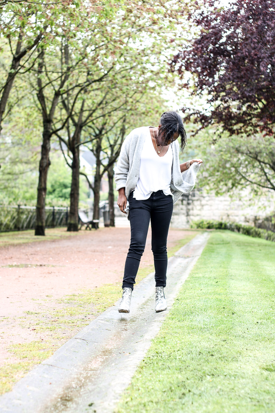 jean-tee-shirt-bottines-et-gilet