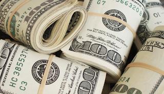 Boom: Christmas bonuses to jump 66%, to $1,797