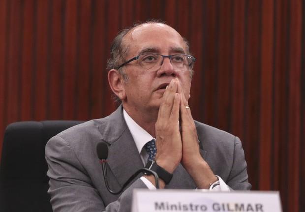 Avião em que estava Gilmar Mendes sofre pane durante voo e volta para Brasília