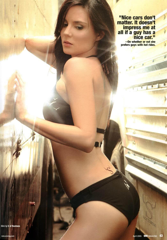 cheska garcia sexy bikini uno magazine 02