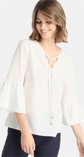 blusa blanca con lazo y mangas con volantes 2018