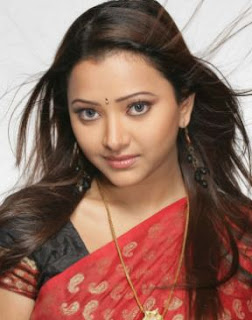 Shweta Basu Prasad Family Husband Parents children's Marriage Photos
