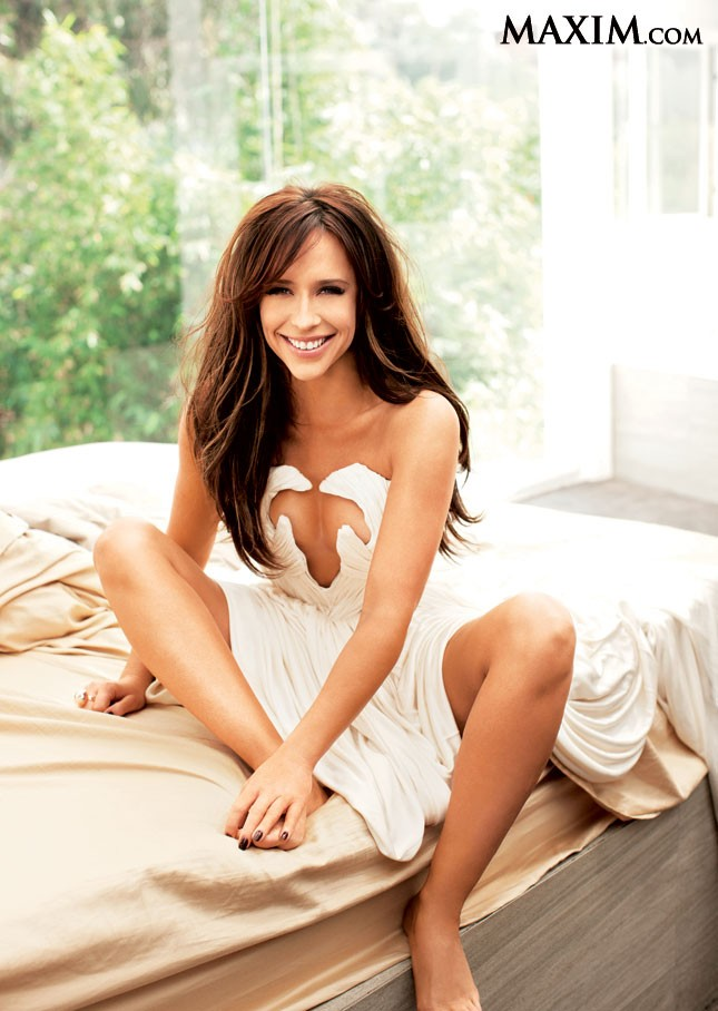 COOL FUNNY PICTURES: Jennifer Love Hewitt Gets Sexy Again