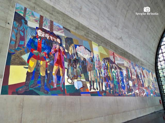 Vista lateral do Painel Tiradentes - Memorial América Latina - São Paulo