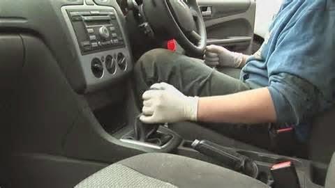Cara mengemudi mobil transmisi matik sebenarnya jelas lebih mudah ketimbang mobil jenis manual