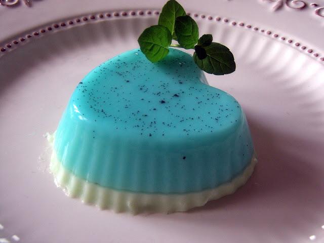 cotta Panna cotta z prawdziwą wanilią i blue curacao