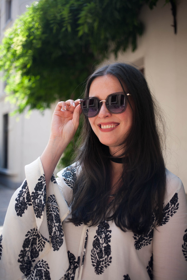 Outfit: Bell Sleeve blouse, filigree sunglasses