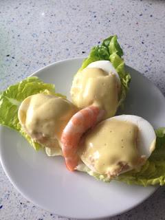 Presentación huevos rellenos