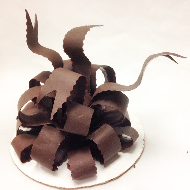 Chocolate Bow with Ribbon Ends