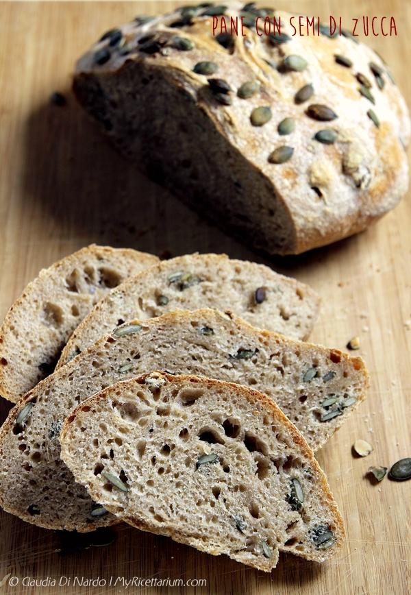 Pane con semi di zucca con lievito madre