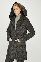 Palton calduros de dama  • Review