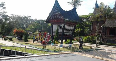 Wisata Budaya Minang village