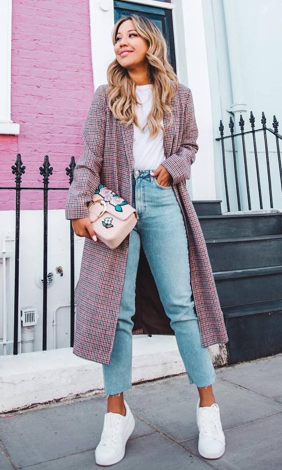 fashion inspiration / plaid coat + floral clutch + white tee + sneakers + jeans
