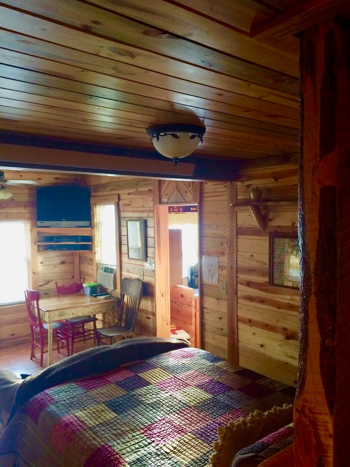 dakota trails south cabins log vrbo cabin happy in