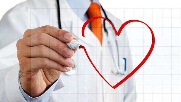 كيف تقي نفسك من أمراض القلب بمنتصف العمر؟