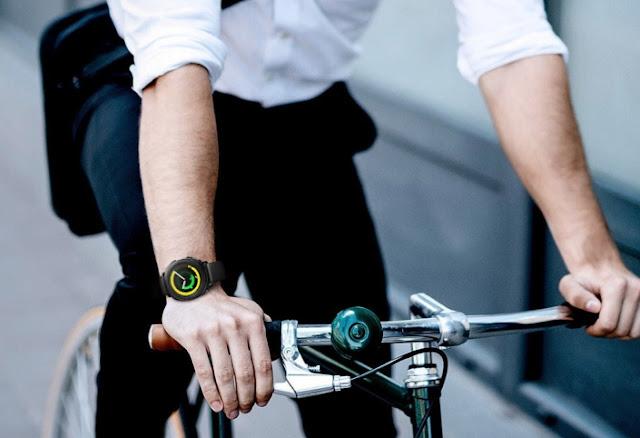 سامسونج تطلق ساعة مخصصة لمحبي الرياضة