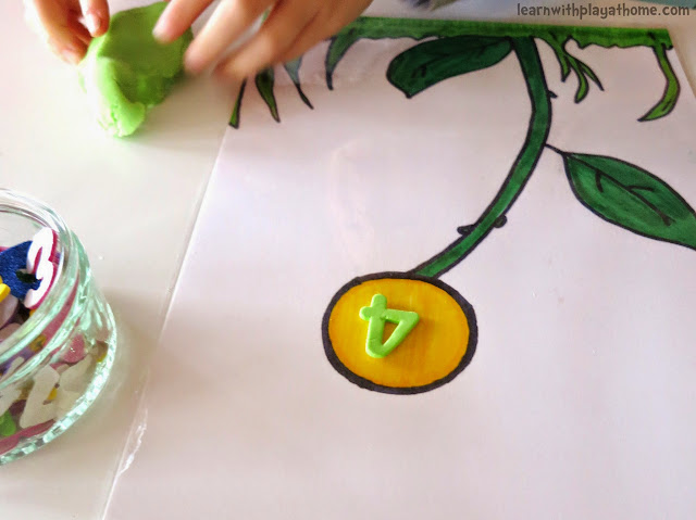 Playdough Flower Mat. Free Printable. Playful Maths.
