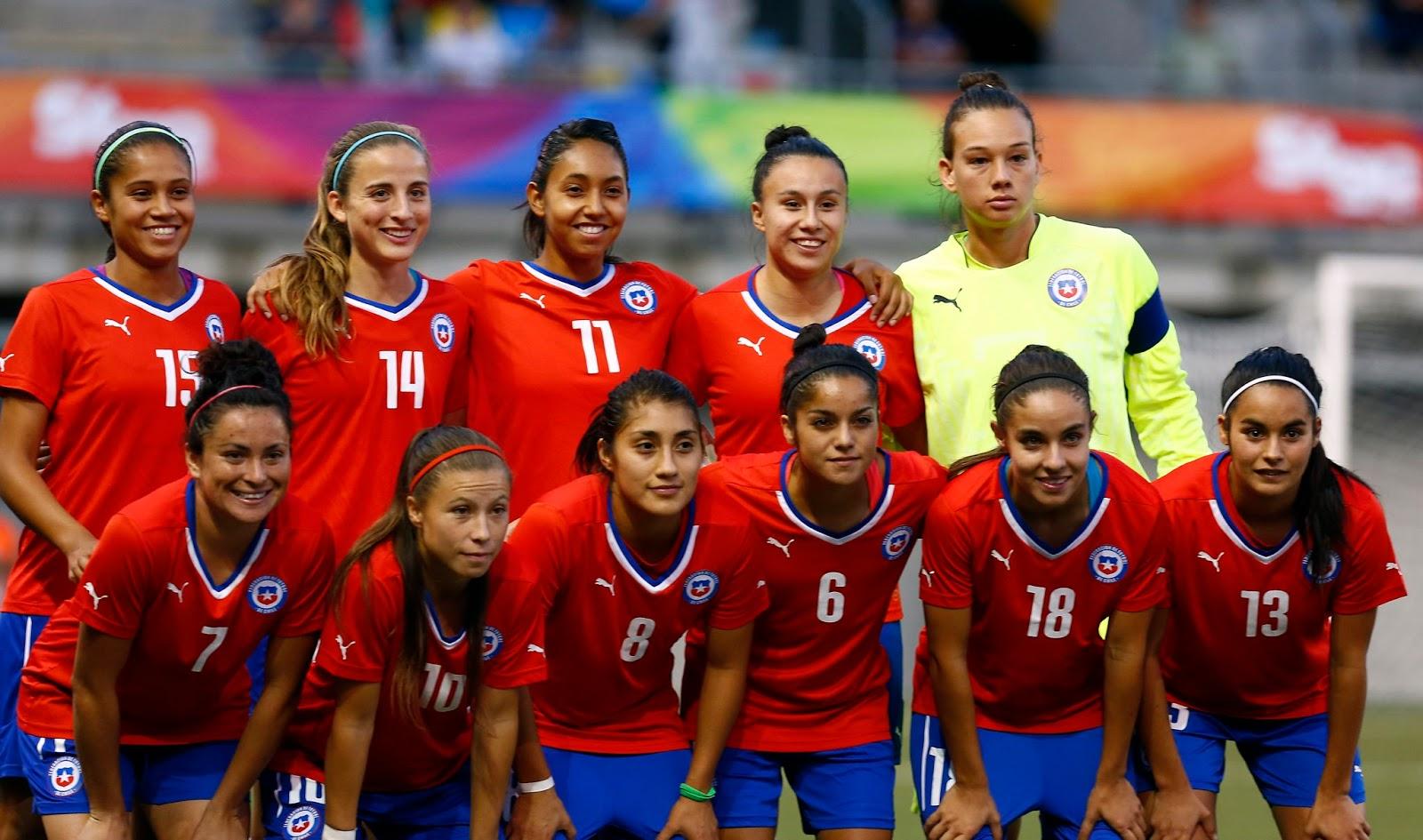 Formación de selección femenina de Chile ante Bolivia, Juegos Suramericanos Santiago 2014, 12 de marzo