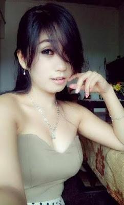 Model Cantik Pasrah Diperkosa Karena Nikmat