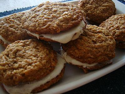 Heartfelt Homemaking Healthy Oatmeal Cream Sandwich Cookies