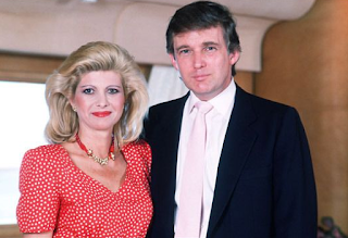 Foto Donald Trump dengan istri pertamanya Ivana Trump