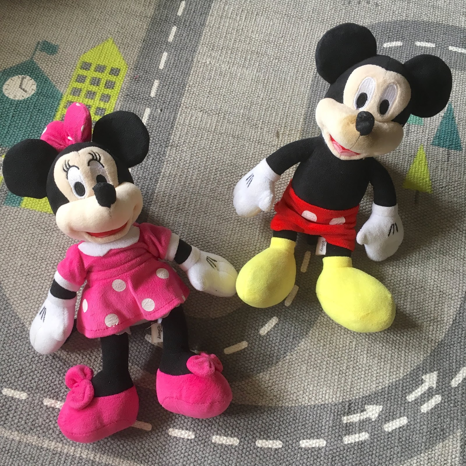 mickey mouse minnie mouse stuffed toys