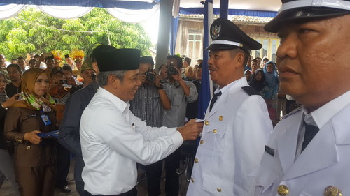 H Iskandar SE Lantik 8 Kades di 2 Kecamatan