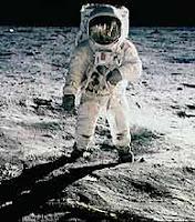 Astronauta y Luna