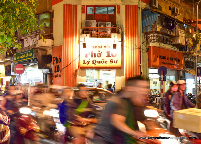 Pho 10 Ly Quoc Su in Hanoi Old Quarter