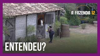 A Fazenda 12 – Jojo dá bronca em Lyon – Cartolouco acorda para cuidar da vaca – brigas após a festa