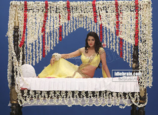 Sakshi Chodary in Yellow Transparent Sareei Choli Spicy Pics 13 .xyz.jpg