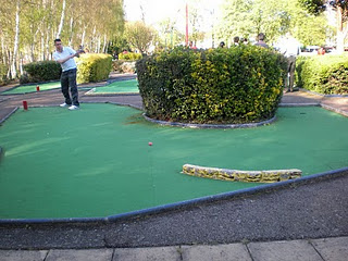 Minigolf and Crazy Golf courses in and around London - Broomfield Park