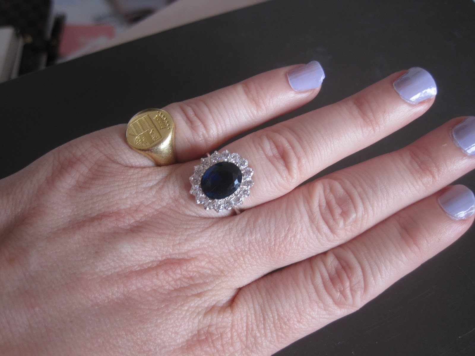 bague de kate prix bijoux la mode. Black Bedroom Furniture Sets. Home Design Ideas