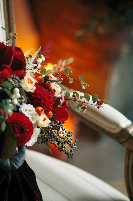 les fleurs : megan braemore photography : fall bridal bouquet : peach, orange, red, burgundy, rust, ivory : foliage, berries, roses, peony, amaryllis , dahlia