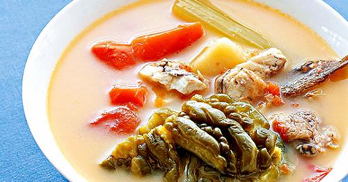【食譜】【紅蘿蔔番茄苦瓜西芹魚湯】