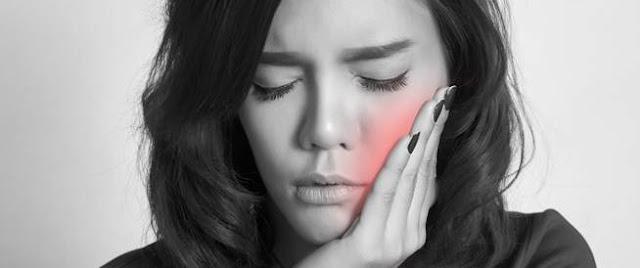 dental hygienist Treatment of dental and gum problems