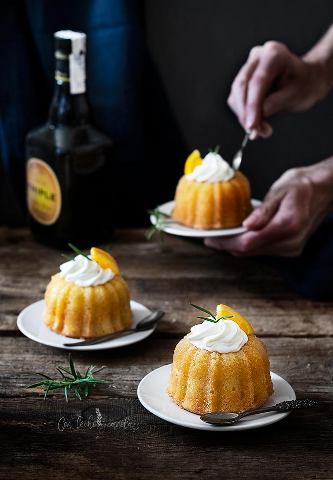 Mini bundt cake empapado con naranja y ron_receta