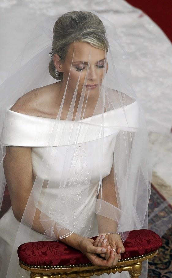 boda religiosa de alberto de m  naco y charlene wittstock 188636515 562x908+(1) - Casamento Real - Principe Alberto ♥ Charlene Wittstock