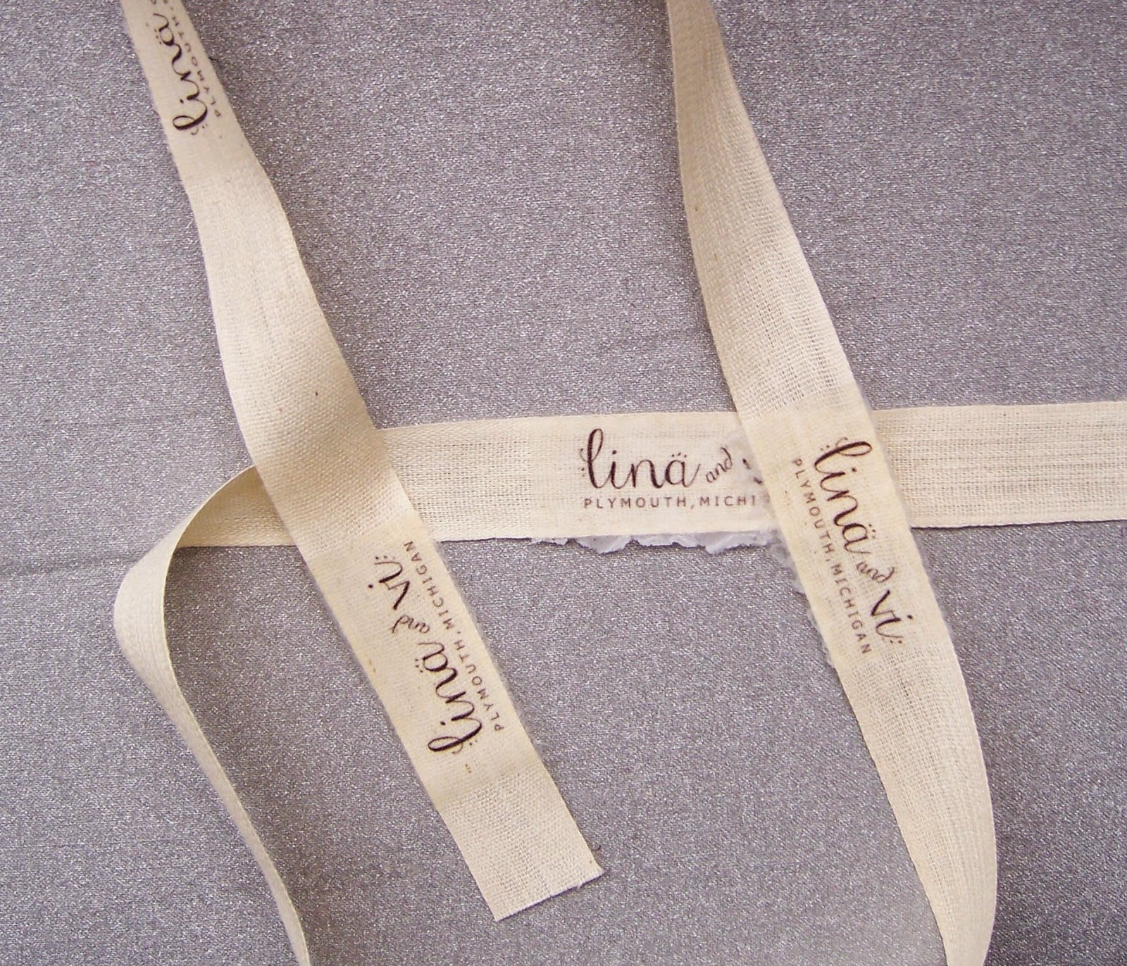 DIY Fabric Labels Using Iron On Transfer Paper - linaandvi.blogspot.com