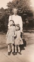 Mimi Lambert, Gretchen Lambert & Alfreda Fredrickson Olsen