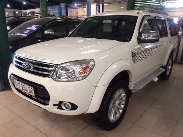 ban xe ford everest cu chinh hang