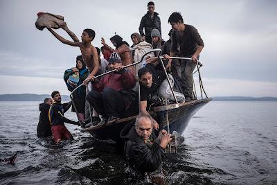 World Press Photo 2015, sajtófotó, menekültválság, szír polgárháború, párizsi terrortámadások, nepáli földrengés, Leszbosz sziget