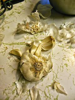making 2 Ingredient Garlic in a Jar.
