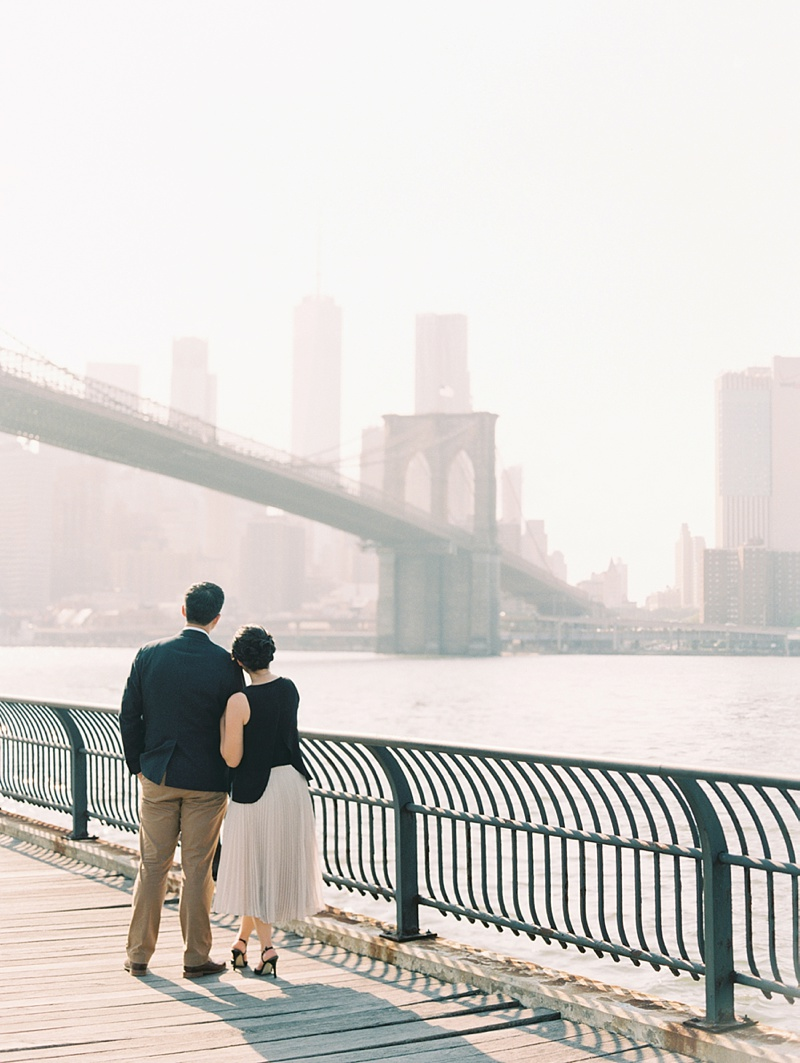 Brooklyn Bridge romantic anniversary photos