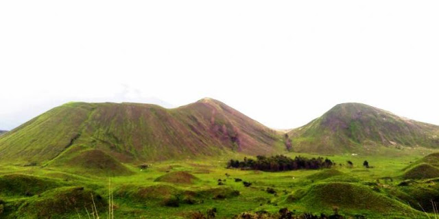 Padang Savana Kawah Wurung Ketika Musim Penghujan