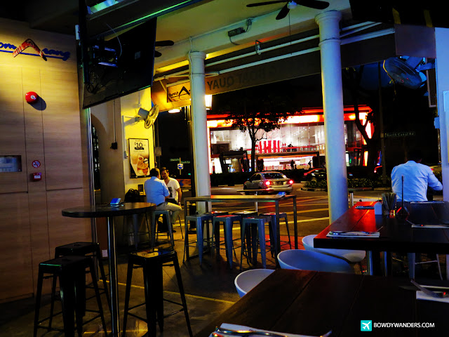 bowdywanders.com Singapore Travel Blog Philippines Photo :: Singapore :: 6 of the Best Happy Hour Hang Out Bars in Singapore
