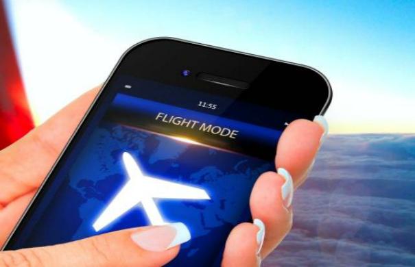 وضع الطيران فى الهاتف الذكى له فوائد مهمة تعرف عليها